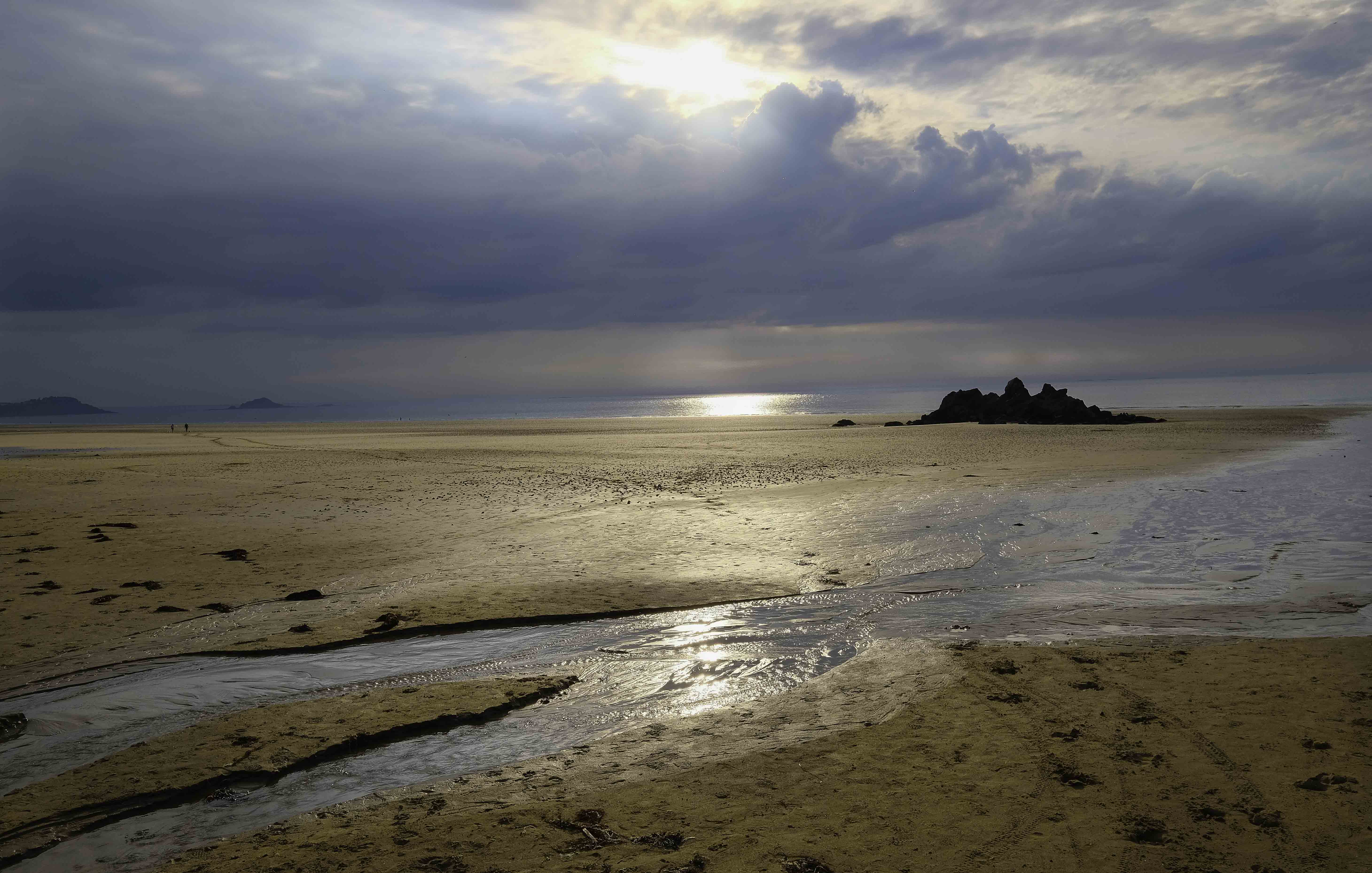 sunset-at-the-beach-in-bretagne
