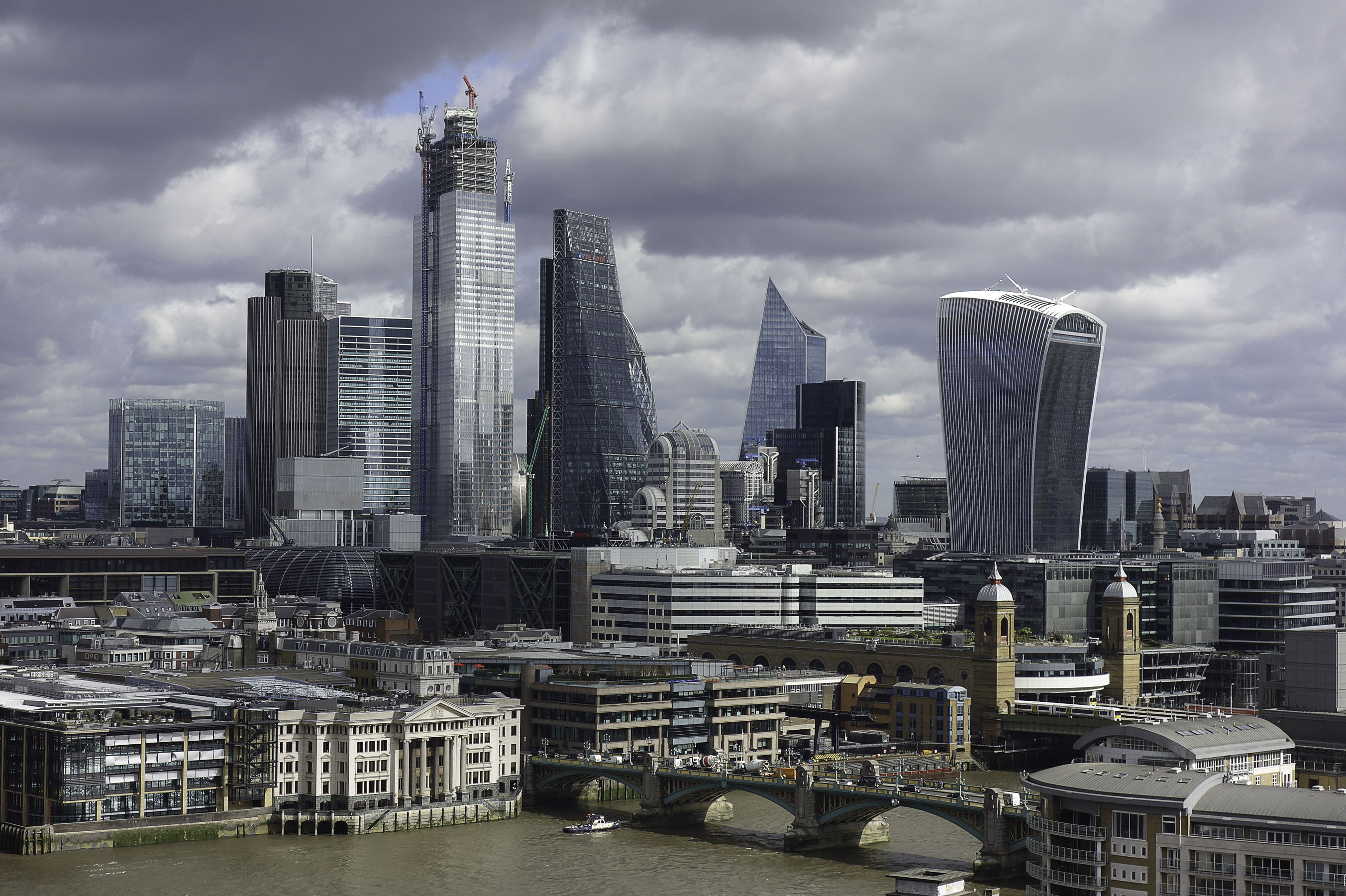 view-on-the-thames-and-city-of-london-from-tate-modern